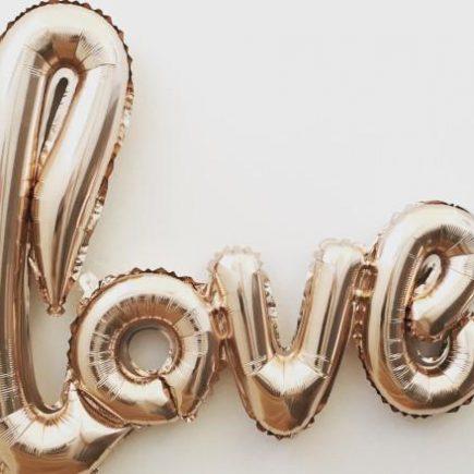 Weselne dekoracje z balonów - jakie wybrać by uniknąć kiczu?
